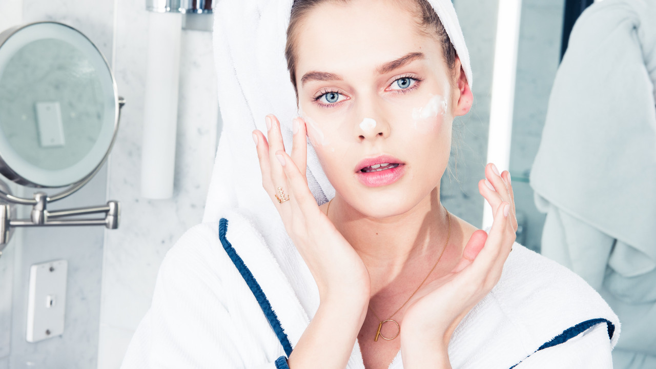 Is Your Skin Lacking Moisture, or Hydration? Yes, There's a Difference