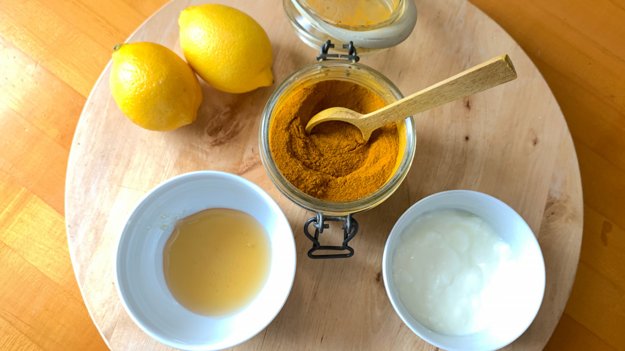 This $12 DIY Turmeric Mask Gave Me Picture-Perfect Skin